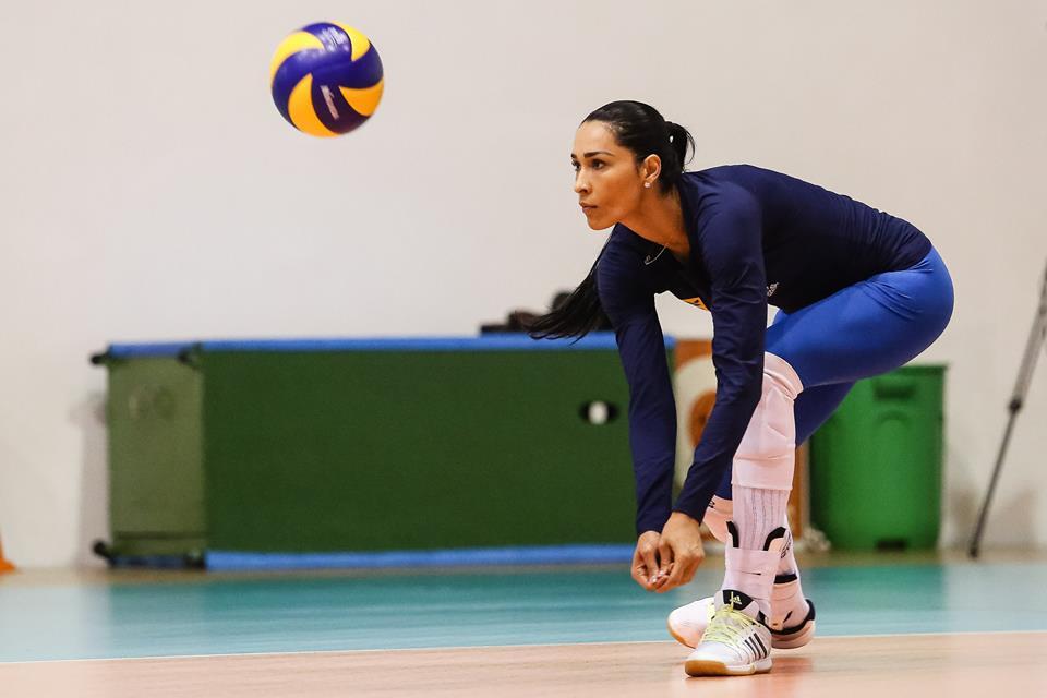 Rio-2016-atletas-brasileiras-mais-bonitas-das-olimpiadas-jaqueline-volei-gatas