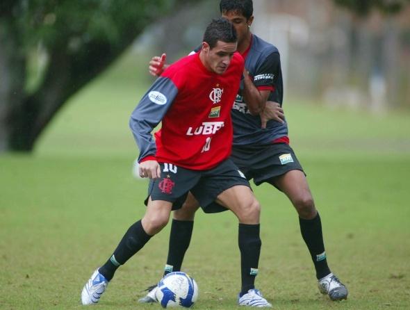 ex-jogadores-do-flamengo-que-estao-mitando-em-outros-clubes-renato-augusto