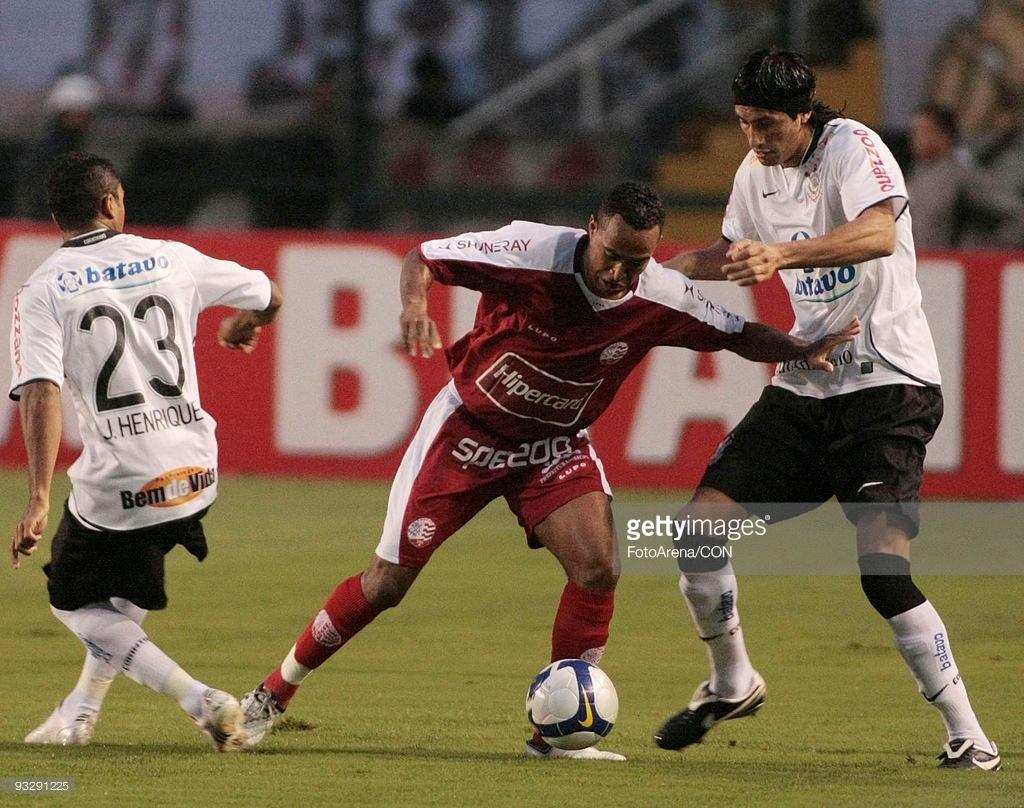 Escudero-jogadores-do-corinthians-fiel