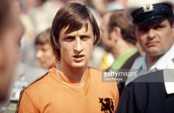 craques-que-nao-tem-titulo-da-copa-do-mundo-cruyff