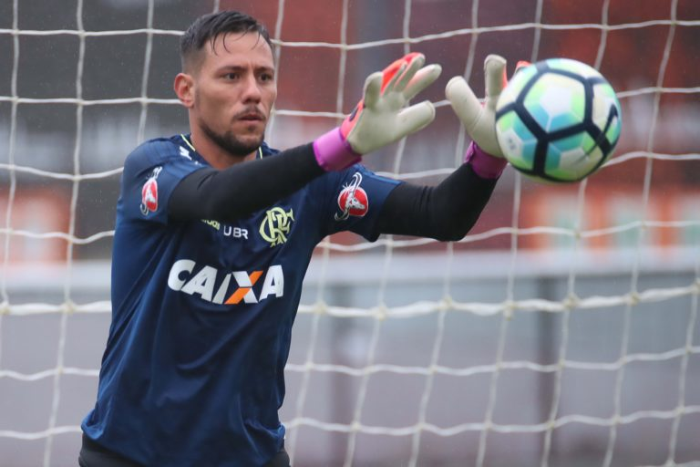 top-os-jogadores-mais-valiosos-atuando-no-futebol-brasileiro-diego-alves