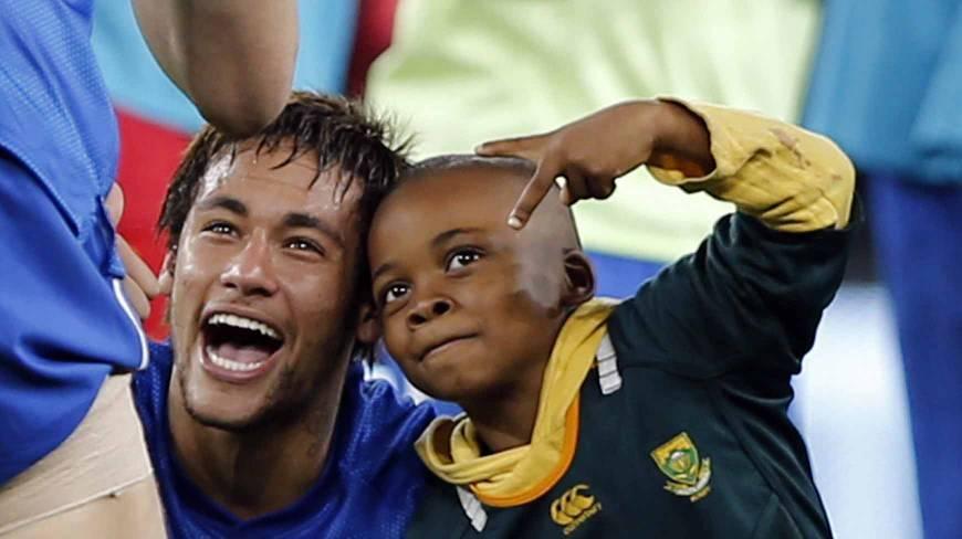 neymar-criancas-e-seus-idolos.jpg