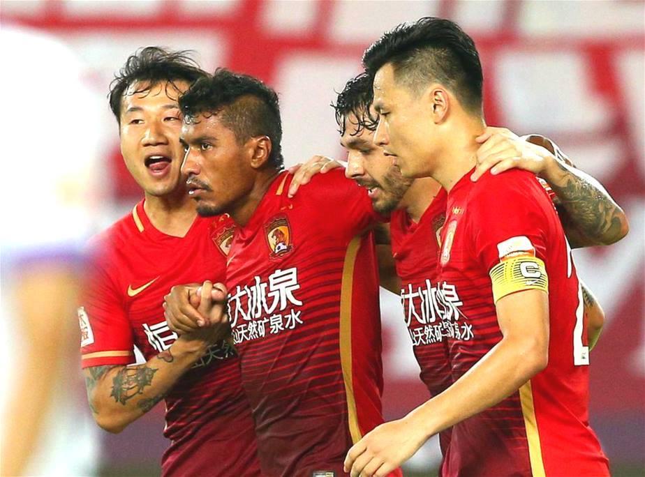 paulinho-corinthians-guang-evergrande-mercado-da-bola-As-maiores-contratacoes-do-futebol-da-china