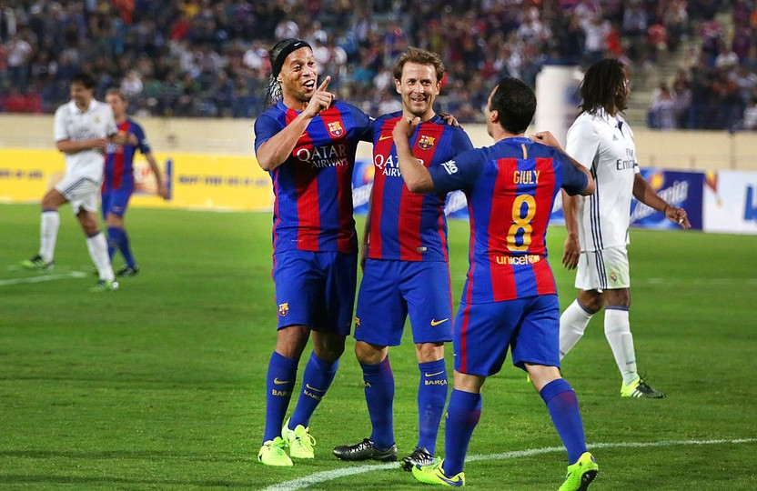 Barça-legends-ronaldinho.jpg