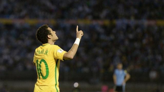 Neymar foi o terceiro jogador de futebol mais bem pago em 2016 2017 7814c725d1d